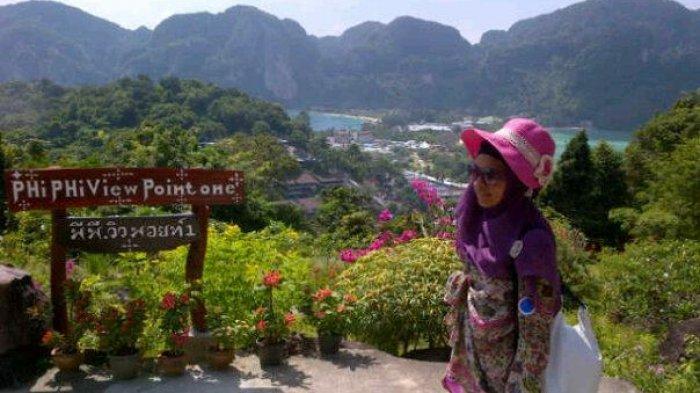 Trik Liburan ke Luar Negeri Murah Ala Putri Melia Sari