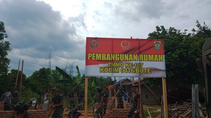 TMMD Dimulai, Satgas Kodim 0416/Bute Bangun Rumah Nenek Sarilah