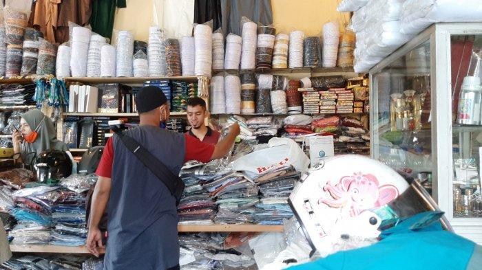 Berawal dari Menjajakan Pakaian Muslim di Emperan, Kini Sunaryo Miliki Tiga Kios di Kota Jambi