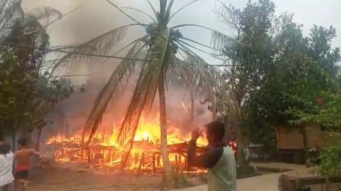 Satu Unit Rumah Panggung di Desa Muara Jambi Ludes Dilahap Si Jago Merah