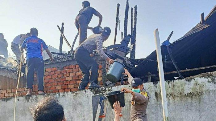 Kebakaran di Tanjabbar, Satu Rumah Papan di Merlung Hangus Terbakar Diduga Konsleting Listrik