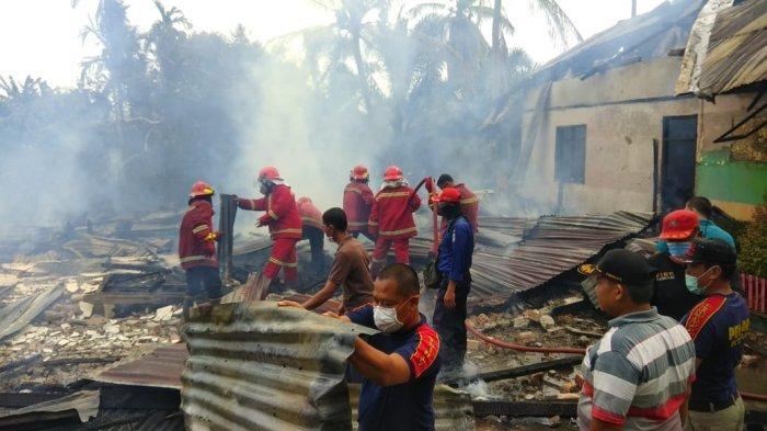 SDN 175 yang berada di Lorong Tanjung, Kelurahan Telanaipura pagi ini, Jumat (18/12/20200 terbakar.