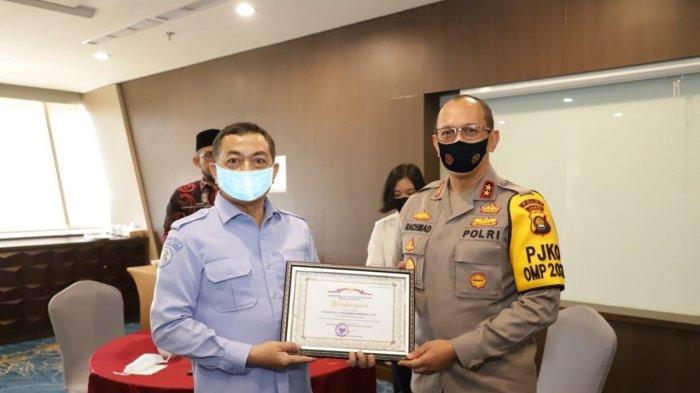 Polda Jambi dan Jajarannya Terima Penghargaan dari Kementerian Kelautan dan Perikanan RI