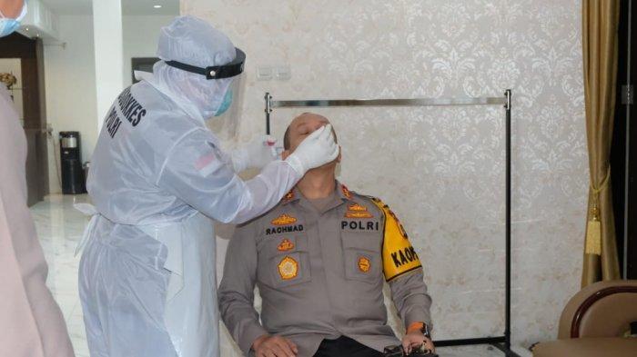Sebanyak 30 Pejabat Utama Polda Jambi Lakukan Tes Swab PCR oleh Tim Bid Dokkes dan RS Bhayangkara