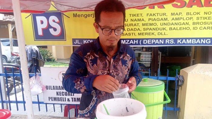 Segernya Es Dawet Hitam Manis Khas Purworejo Milik Mang Itong Berlokasi di Sungai Kambang