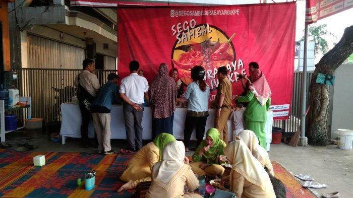 Santap Ikan pari Beralas Tikar, Sego Sambel Surabaya Iwak Pe Hadir di Jambi