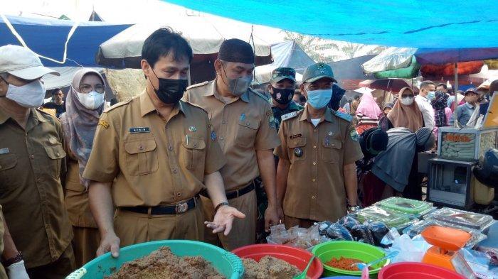 H-3 Lebaran Pj Sekda Muarojambi Sidak Harga Kebutuhan Pokok di Pasar Tradisional Sengeti