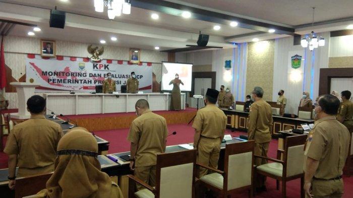 Sekda Provinsi Jambi H Sudirman SH membuka secara resmi rapat monitoring dan evaluasi monitoring Centre for Prevention (MCP) yang diselenggarakan
