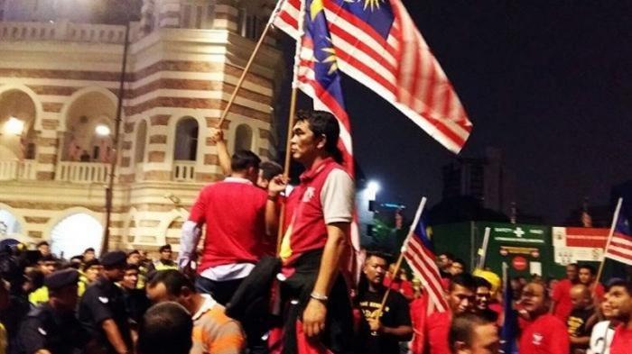Berani-beraninya Lagu Indonesia Raya Diejek, Kebobrokan Malaysia Ini Justru Terbongkar ke Dunia