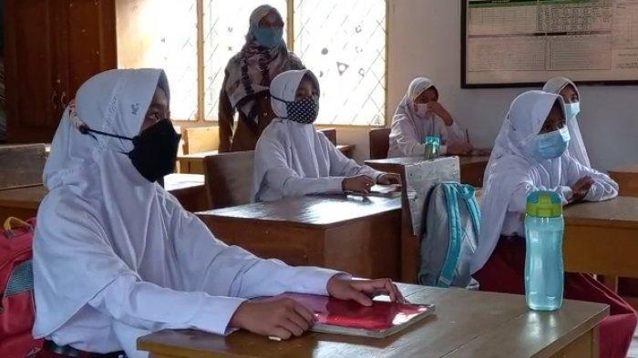 Hampir Semua Sekolah di Muarojambi Masih Kekurangan Guru Berstatus PNS