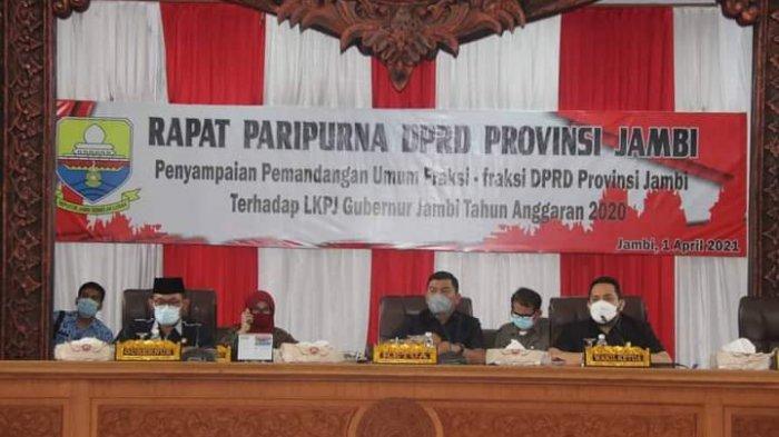 Sekda Hadiri Rapat Paripurna Pemandangan Umum Fraksi Terhadap LKPJ Gubernur Jambi 2020