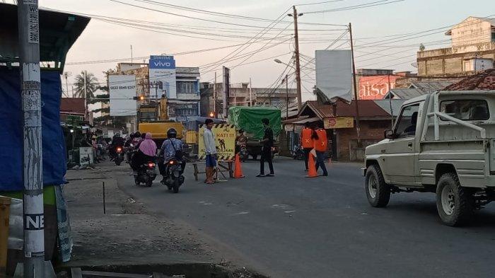 Sempat Viral Jalan Rusak di Simpang Gado-gado Akhirnya Diperbaiki, Masyarakat Apresiasi Pemerintah