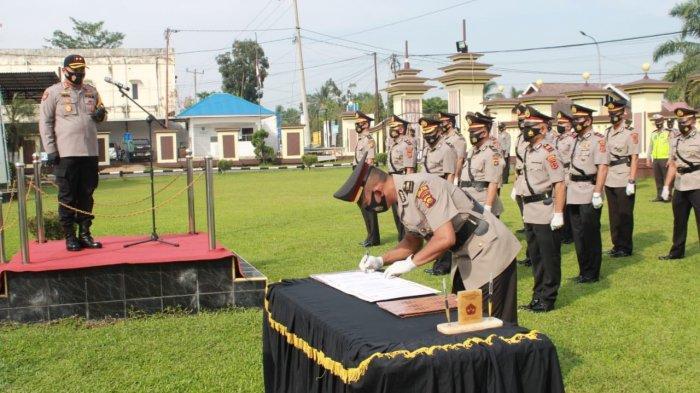Kapolres Pimpin Sertijab Sejumlah Pejabat di Polres Batanghari