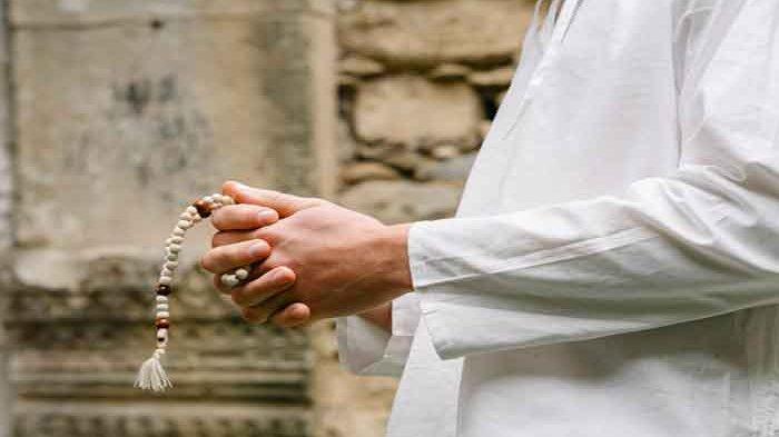 Bacaan Niat Sholat Dhuha Lengkap Tuntunan Mengerjakannya di Pagi Hari