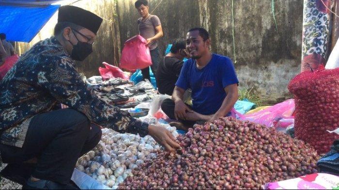 Sidak Pasar Kramat Tinggi Muara Bulian, Ketersedian dan Harga Bahan Pokok di Masih Stabil