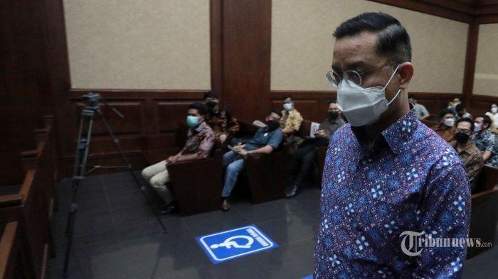 Juliari Batubara Akui Ini Penyebab Dia Terjerat Korupsi Bansos, Hakim: Waduh Fatal Itu