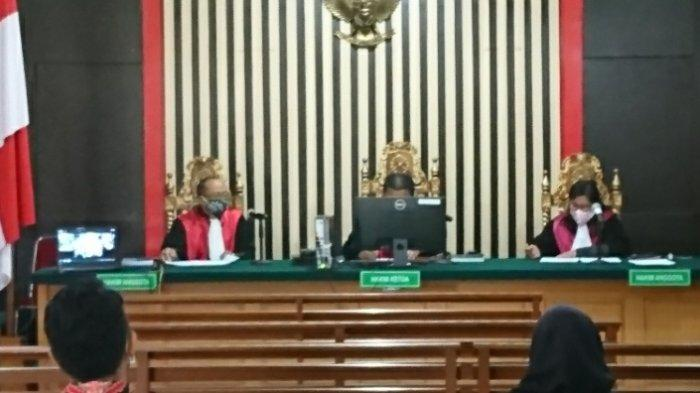 Cornelis Buston dan Syahbandar Diperiksa Secara Tek Tok Oleh Jaksa Penuntut KPK