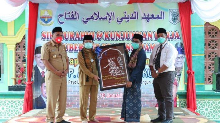 Silaturahmi Gubernur Jambi dengan Pengurus dan Jajaran Pondok Pesantren Al Fattah Singkut II