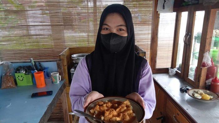 Kuliner Jambi, Penjualan Mie Tek-Tek Zakky Tak Berpengaruh Walau Pandemi
