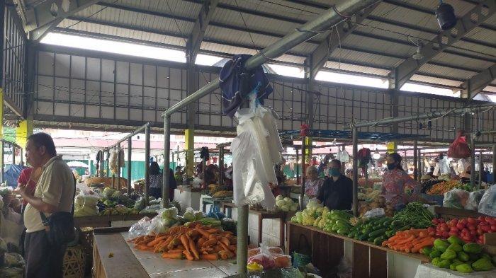Harga Murah Pembeli Malah Makin Sepi, Pedagang di Pasar Angso Duo Mengeluh