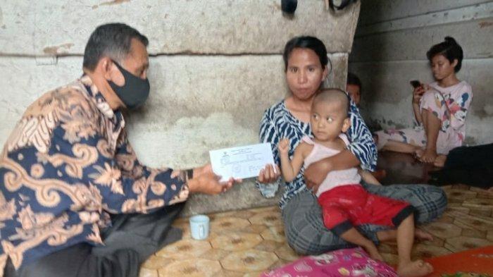 Prihatin Penyakit dan Kondisi Keluarga Sival Penderita Lumpuh, Baznas Muarojambi Bantu Pengobatan