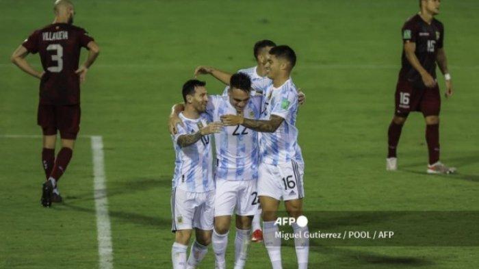 Kemenangan Argentina Atas Venezuela Diwarnai Insiden yang Nyaris Membuat Lionel Messi Cidera Serius