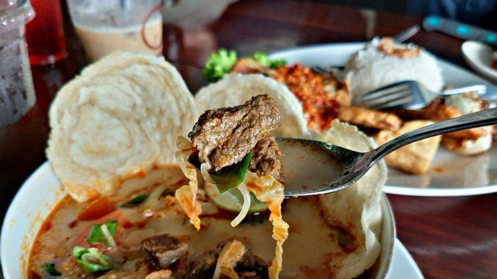 Nikmati Soto Tangkar dengan Kuah Berempah yang Hangatdi Nirwana Resto and Cafe