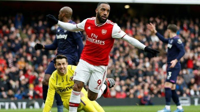 Striker Arsenal Alexander Lacazette dikabarkan tidak diperpanjang kontraknya di Emirates Stadium