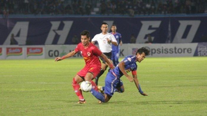Ribuan Laron Masuk Lapangan Dituding Jadi Penyebab Kekalahan PSIS Semarang Atas Madura United