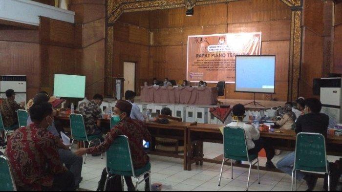 Pleno Rekapitulasi Hasil Pilkada Batanghari dan Pilgub Jambi Kondusif, Saksi 3 Paslon Hadir Semua