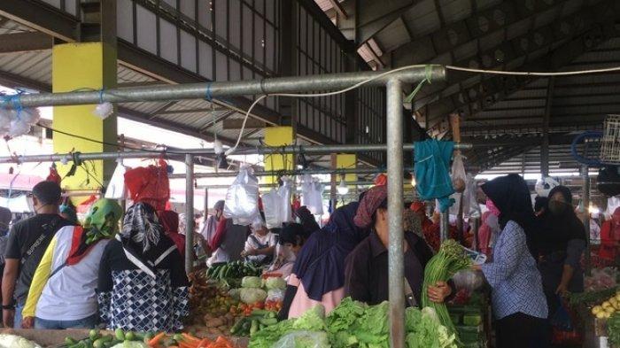 Antusias Masyarakat Menyambut Bulan Ramadhan, Sehari Sebelum Puasa Pasar Angso Duo Dipadati Pembeli