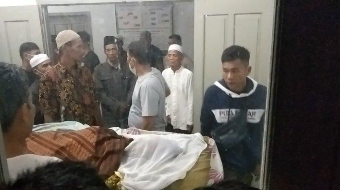 BREAKING NEWS Rebutan Lahan Tambang Emas di Sarolangun, Satu Orang Tewas Ditikam di Perut