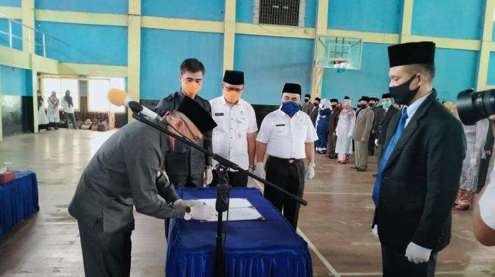 154 Kepsek SD dan 48 SMP se-Kabupaten Kerinci Dilantik Bupati