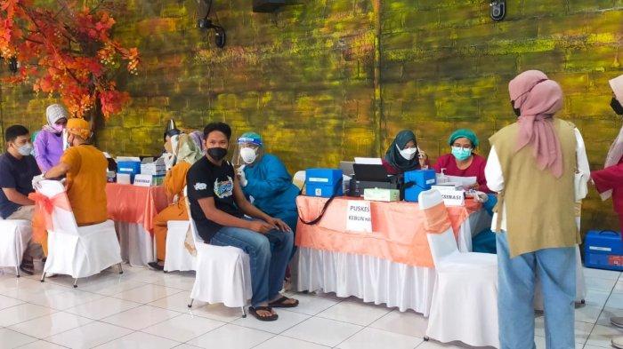 Sentra Vaksinasi Bersama Bursa Efek Salurkan 1.000 Dosis Vaksin