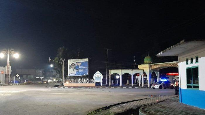 Malam Pergantian Tahun Baru 2021 Areal Publik di Batanghari Sepi, Petugas Masih Berjaga
