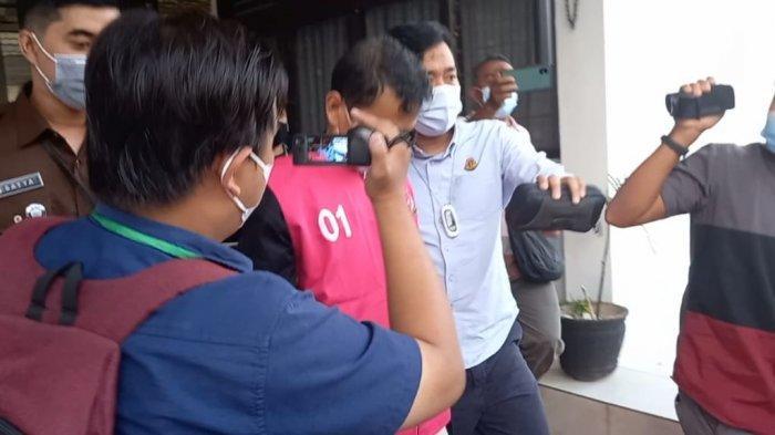 Diperiksa Selama Enam Jam, Mantan Kepala BPPRD Kota Jambi, Akhirnya Ditahan Jaksa