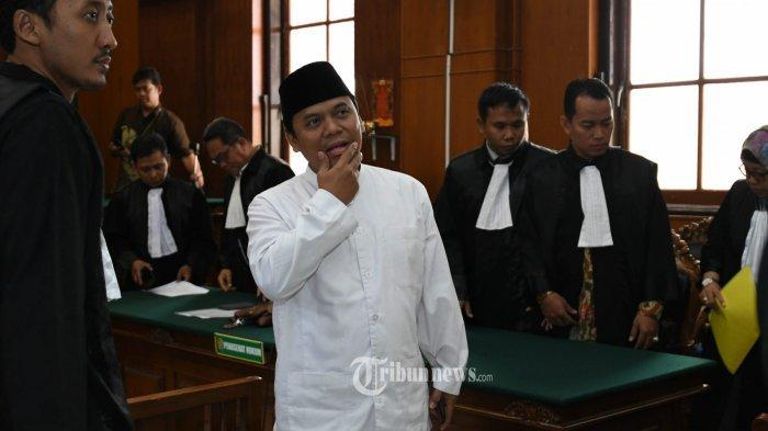 PCNU Kabupaten Cirebon menggelar syukuran atas ditangkapnya Sugi Nur Raharja alias Gus Nur atas dugaan ujaran kebencian terhadap Nahdlatul Ulama (NU).