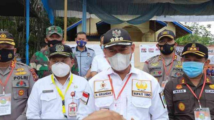Sukandar Pantau Pelaksanaan Pencoblosan di Kabupaten Tebo, Ini Hasilnya