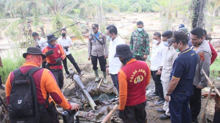 Dalam 40 Hektare Lahan, Polda Jambi Menutup 300 Sumur Minyak Ilegal di Batanghari
