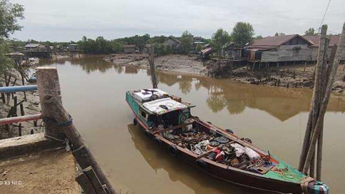 Abrasi Telah Sebabkan 40 Meter Longsor di Desa Alang Alang Tanjung Jabung Timur
