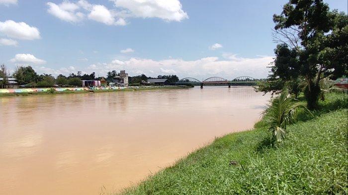 Tingkat Keruh Sungai Batang Tembesi di Ambang Batas Alat Ukur Perumda Air Minum Tirta Sako Betuah