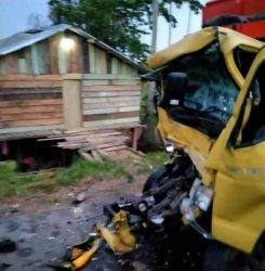 Tabrak Tronton Parkir, Sopir Truk Tewas Terjepit Kecelakaan di Jalan Lintas Sarolangun-Tembesi Km 27