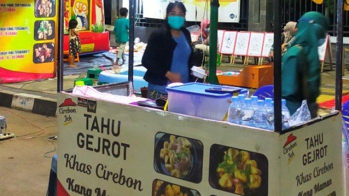 Tahu Gejrot Khas Cirebon Kang Maman di Masa Pandemi Tetap Bertahan Meski Beberapa Outlet Tutup