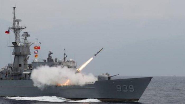 Taiwan lakukan latihan tembak langsung saat ketegangan China-AS meningkat.