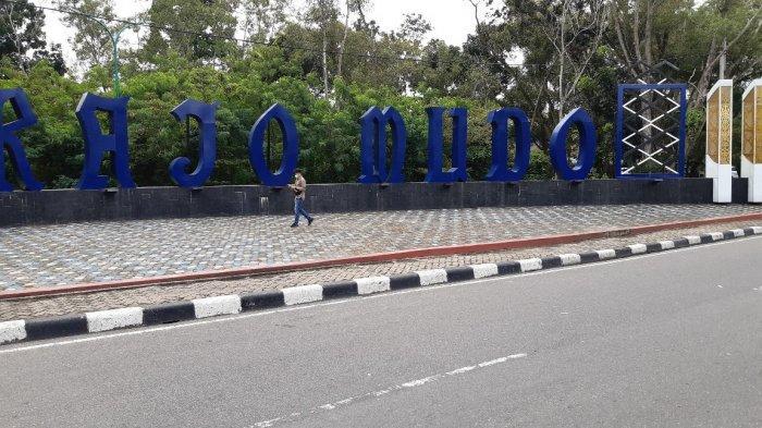 Baru Dua Tahun Dibangun, Taman Rajo Mudo Samping Bandara Sultan Thaha Jambi Terbengkalai