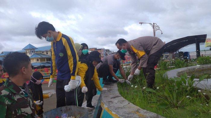 Miris, Taman Air Mancur di Water Front City Tak Terurus, Polisi & Masyarakat Turun Tangan Bersihkan