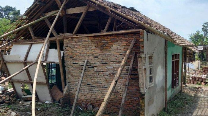 Teror Tanah Bergerak di Lebak Banten Bikin Warga Takut dan Tak Nyenyak Tidur, Banyak Rumah Roboh