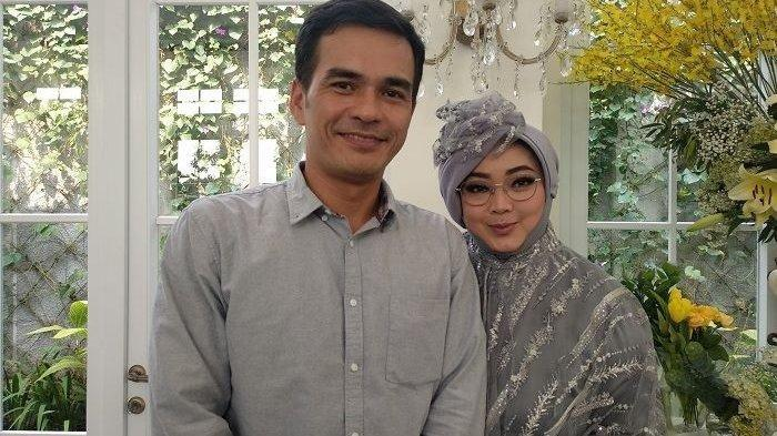 Teddy Syach Tak Mendamping Rina Gunawa saat Dirawat di ICU, Hanya Video Call