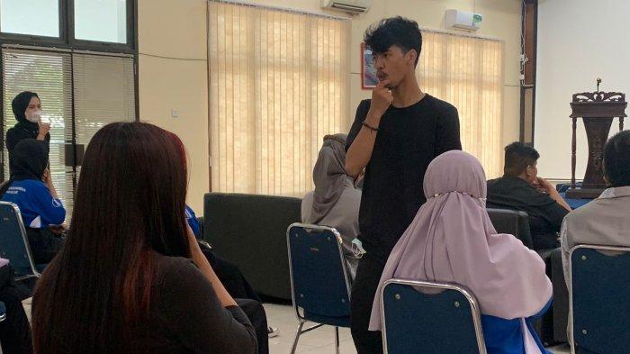 Teman Tuli di Kota Jambi Ajarkan Masyarakat Bahasa Isyarat
