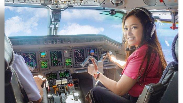 GALERI FOTO: Kemewahan Jet Pribadi Maia Estianty, Desain Interior dan Coba Jadi Pilot